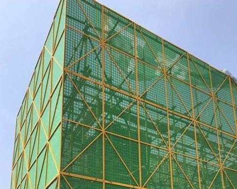建筑爬架具有成本低使用方便适用性强等特点